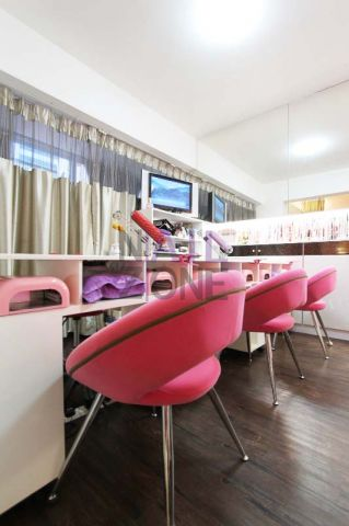 Art Nails 指藝社 - 寬敞舒適的美甲空間,能同時服務不同的客人